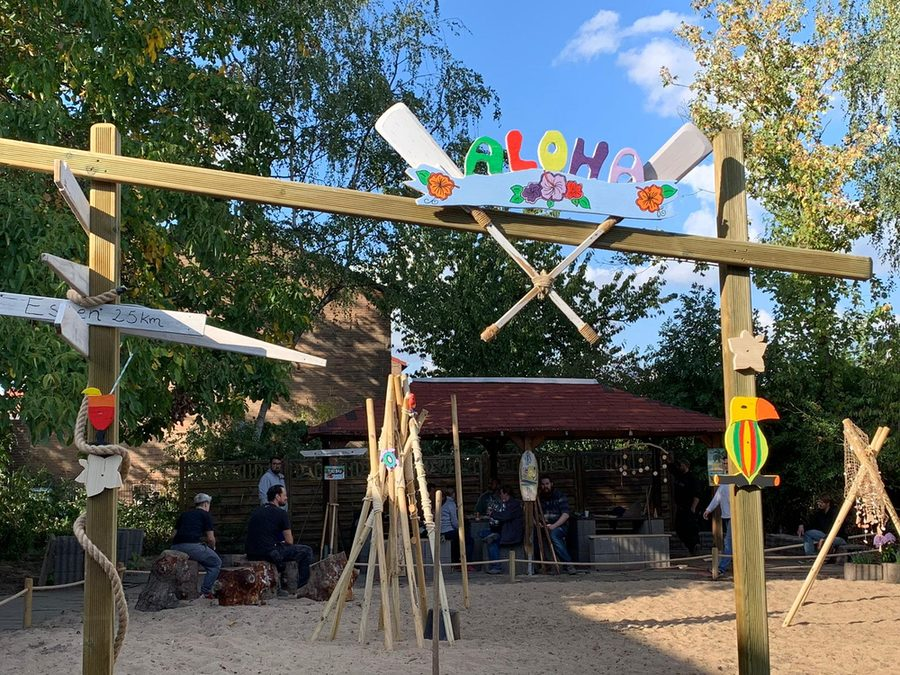 "Eingang zur ""Chill-Out-Area"" im Strand-Stil"